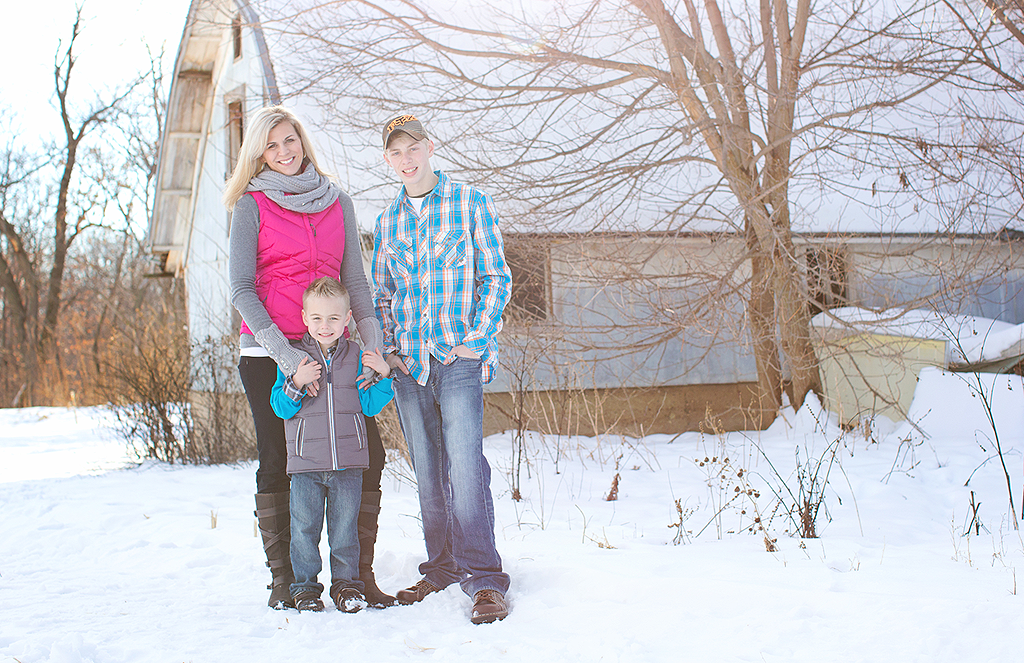 wintry outdoor family portrait by pixelations photography